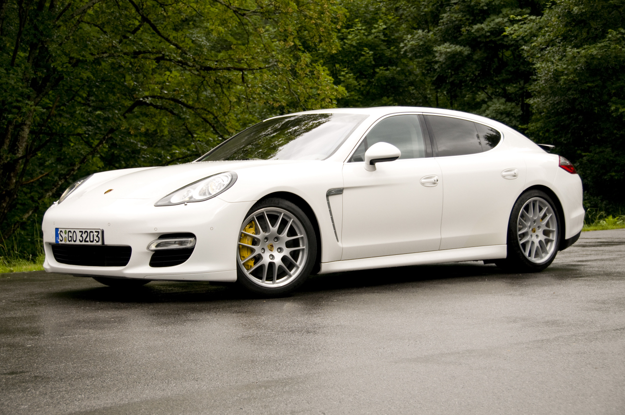 2010 porsche panamera 4 door porsche taz 39 s blog domain. Black Bedroom Furniture Sets. Home Design Ideas