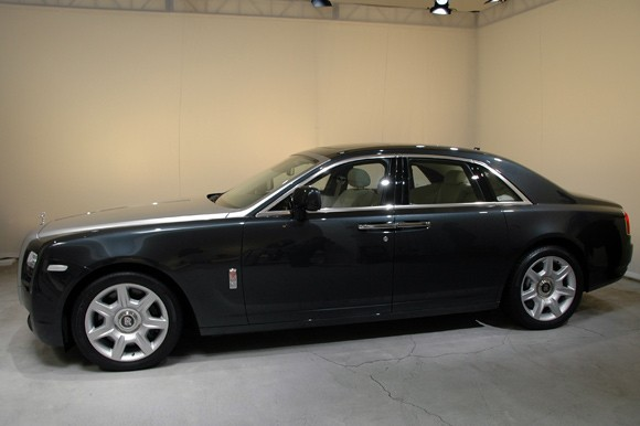 Rolls Royce Ghost And Phantom. Hands-On: Rolls-Royce Ghost is