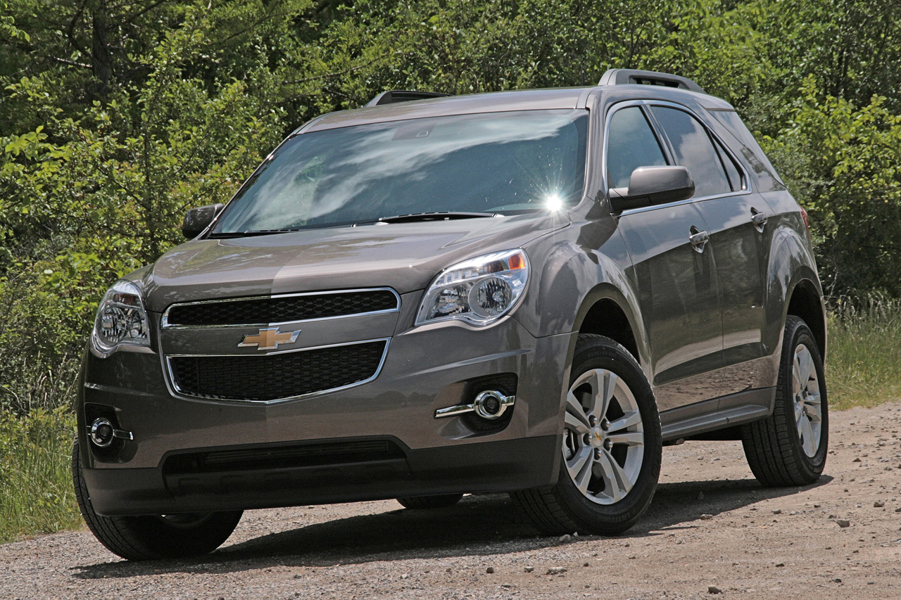 first drive 2010 chevrolet equinox photo gallery autoblog. Black Bedroom Furniture Sets. Home Design Ideas