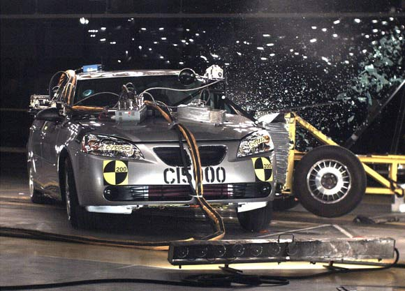 gm-15000th-crash-test-pontiac-580.jpg