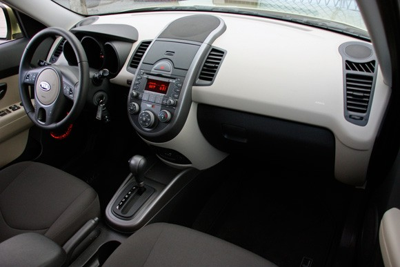 Review 2010 Kia Soul deserves to be breakout hit for brand  Autoblog