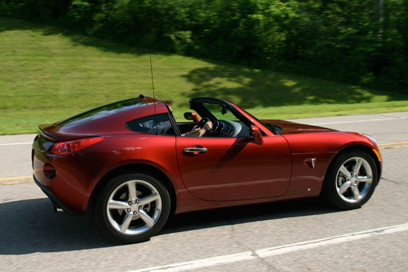 Review Pontiac Solstice GXP Coupe goes quick just dont look