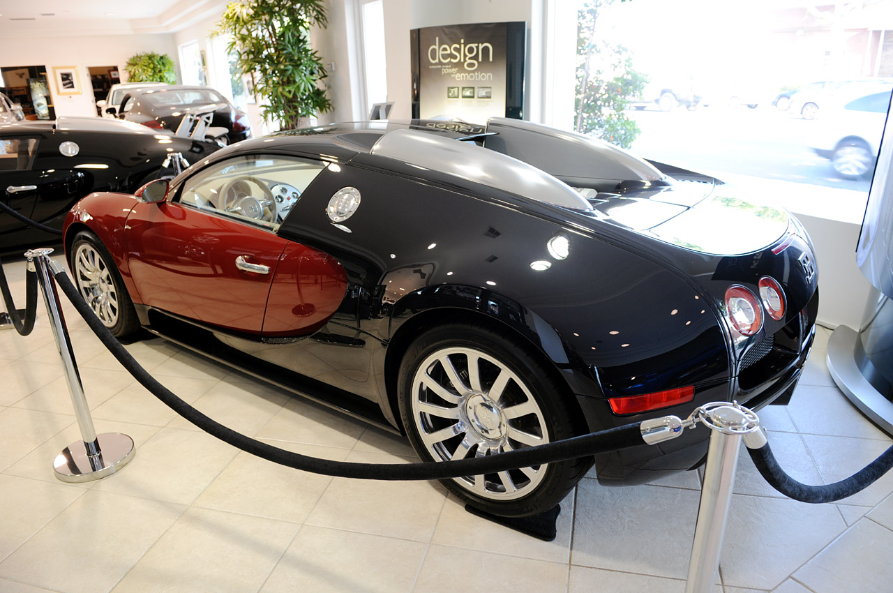 bugatti veyron 16 4 001 photo gallery autoblog. Black Bedroom Furniture Sets. Home Design Ideas
