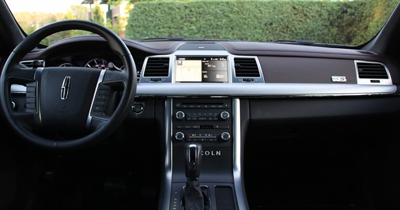 Review 2010 Lincoln Mks Ecoboost Offers American Luxury With Straight Line Sd Autoblog