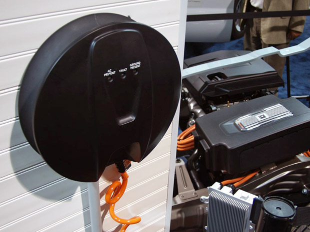 chevy-volt-chargers-2_opt.jpg