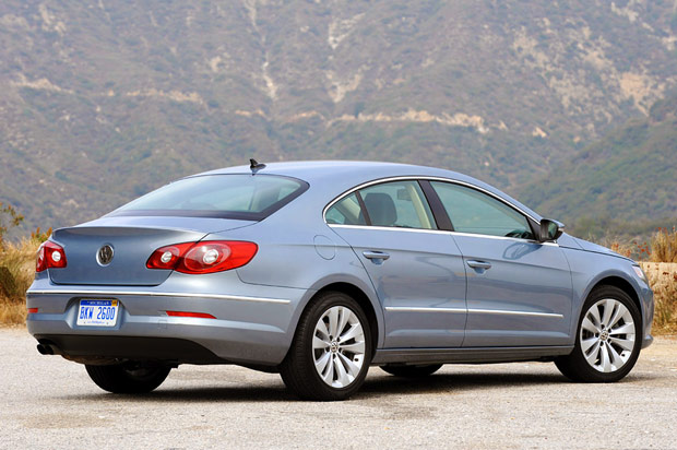 review 2009 volkswagen cc sport is a mid size segment buster autoblog. Black Bedroom Furniture Sets. Home Design Ideas