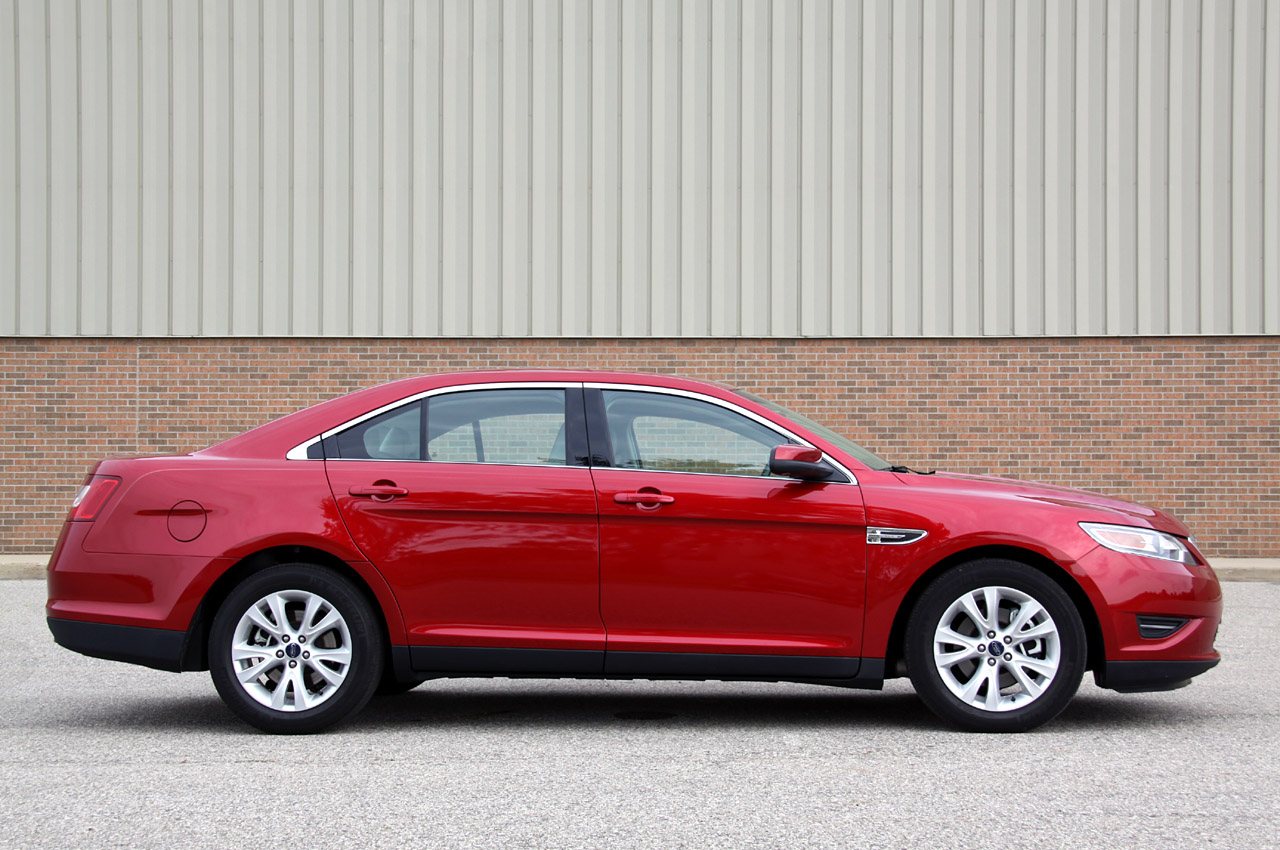 2009 ford taurus review ratings specs prices and html. Black Bedroom Furniture Sets. Home Design Ideas