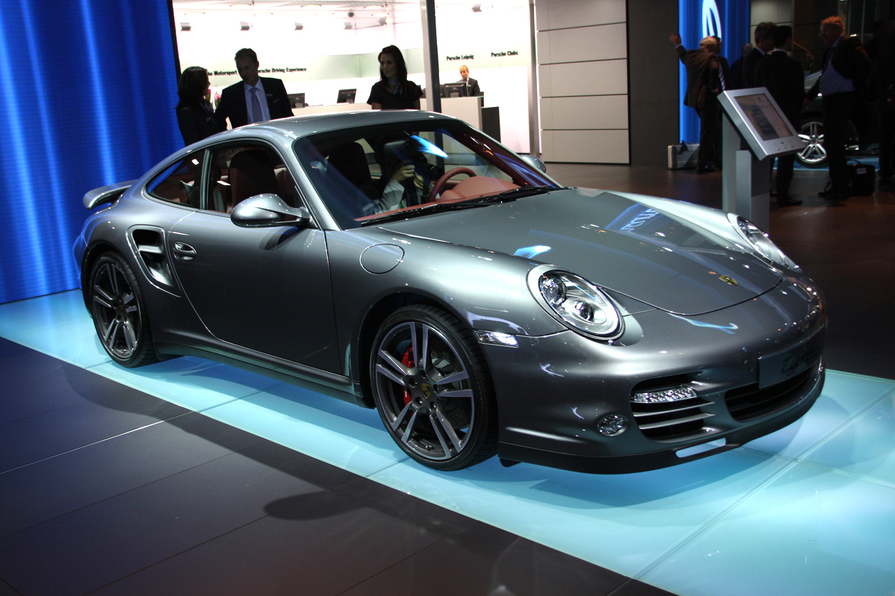 frankfurt 2009 porsche turbo coupe and cab. Black Bedroom Furniture Sets. Home Design Ideas