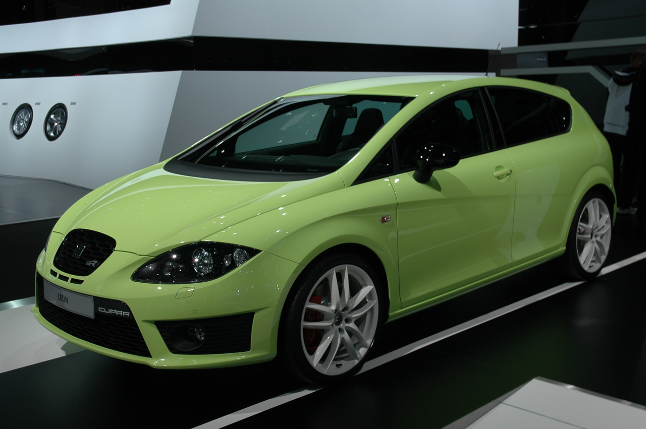 frankfurt 2009 seat leon cupra r photo gallery autoblog. Black Bedroom Furniture Sets. Home Design Ideas