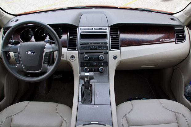 review: 2010 ford taurus sel stays big, goes upscale - autoblog