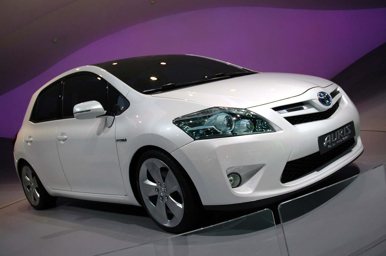 frankfurt 2009 toyota auris hybrid photo gallery autoblog. Black Bedroom Furniture Sets. Home Design Ideas