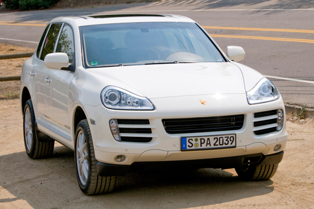 Although We Enjoyed The Cayenne Sel Don T Visit Your Local Porsche Dealer With Expectations To Test Drive One Yet While This Exact Model Has Been On