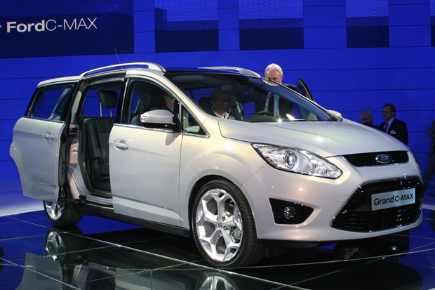frankfurt 2009 2010 ford c max debuts grand c max bound for american shores. Black Bedroom Furniture Sets. Home Design Ideas
