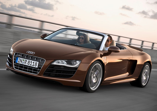 Officially Official: Audi R8 5.2 FSI Spyder loses blades, gains lots of headroom