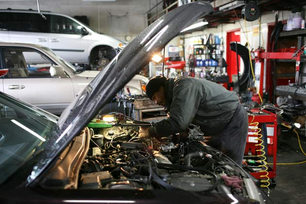 mechanic-underhood-630-getty-sullivan.jp