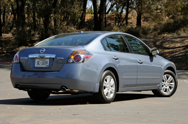Quick Spin 2010 Nissan Altima A Well Mannered Sedan Without