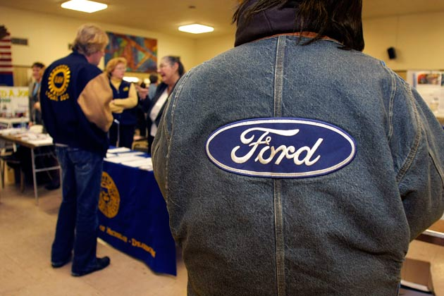 uaw-ford-jackets-job-fair-getty-630.jpg