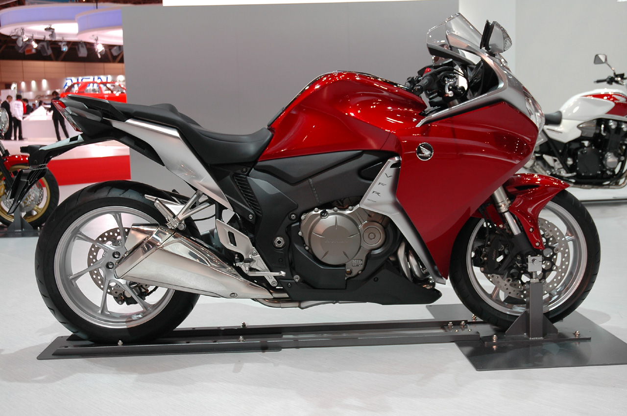 tokyo 2009 honda vfr 1200 photo gallery autoblog. Black Bedroom Furniture Sets. Home Design Ideas