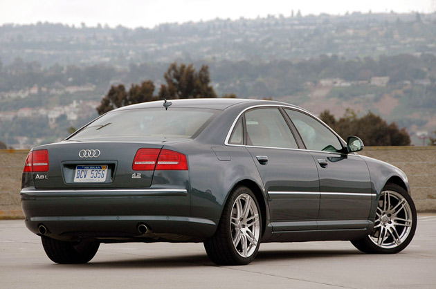 review 2009 audi a8l requiem for a heavyweight autoblog Jump Start Audi A8 2009 the introduction of the lengthy lozenge that was the original a8 marked the first swing of audi\u0027s sledgehammer upon the rock that is merc and bmw hegemony