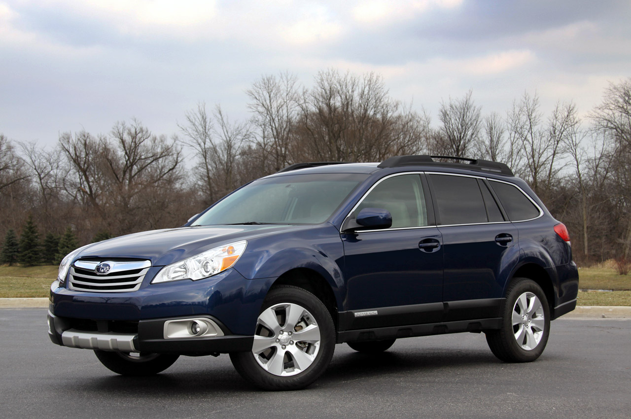 review 2010 subaru outback photo gallery autoblog. Black Bedroom Furniture Sets. Home Design Ideas