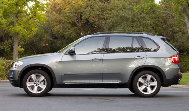 review 2009 bmw x5 xdrive35d delivers obsolescence to. Black Bedroom Furniture Sets. Home Design Ideas