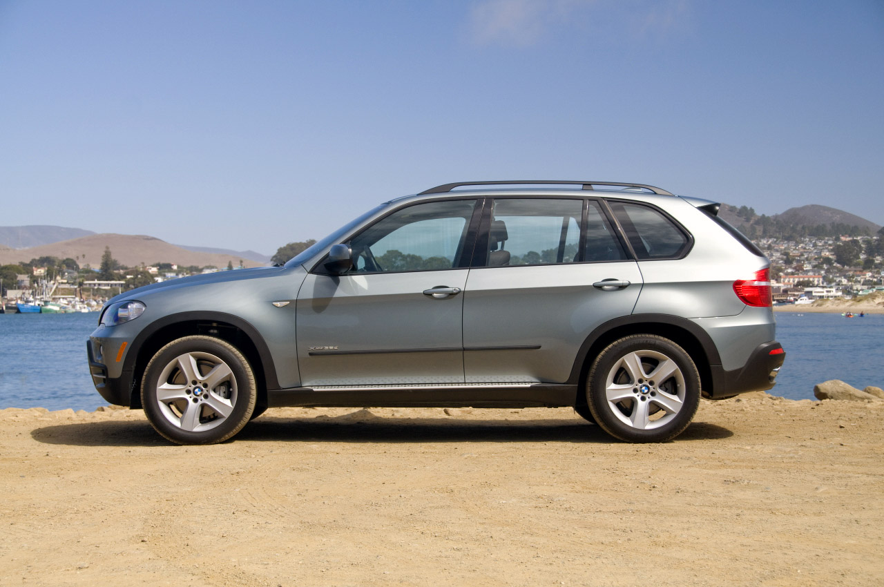 review 2009 bmw x5 xdrive35d photo gallery autoblog. Black Bedroom Furniture Sets. Home Design Ideas