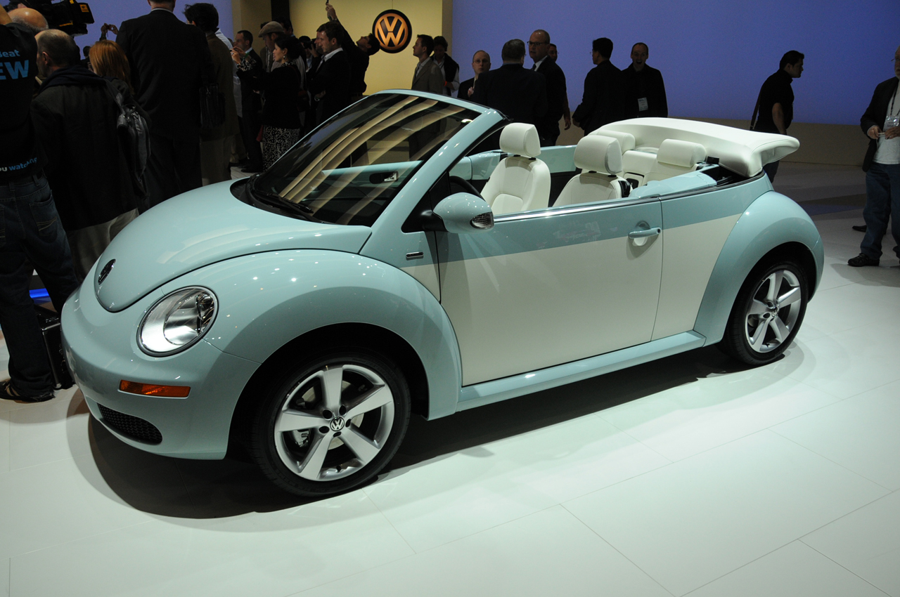 2010 volkswagen beetle car pictures. Black Bedroom Furniture Sets. Home Design Ideas