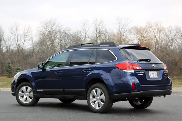 review 2010 subaru outback adds size power and refinement for a big wagon winner autoblog. Black Bedroom Furniture Sets. Home Design Ideas