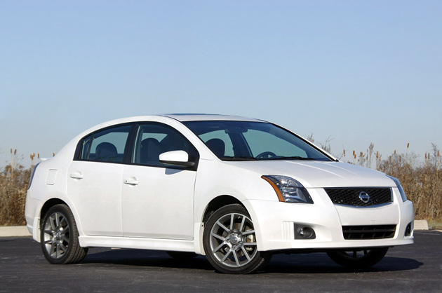 2010 nissan sentra se r click above for high res image. Black Bedroom Furniture Sets. Home Design Ideas