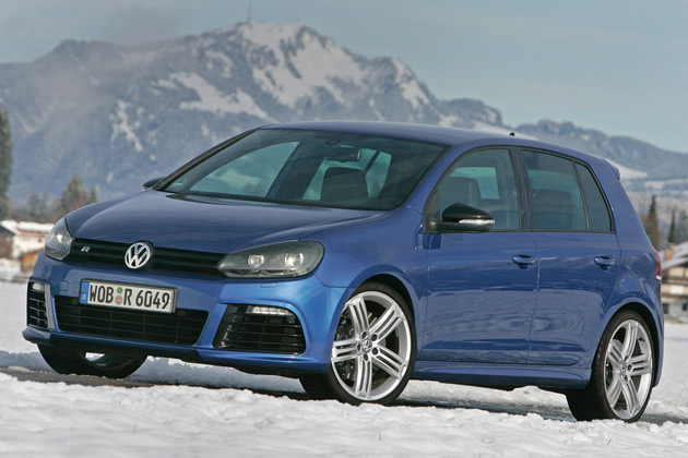 2011-Volkswagen-Golf-R