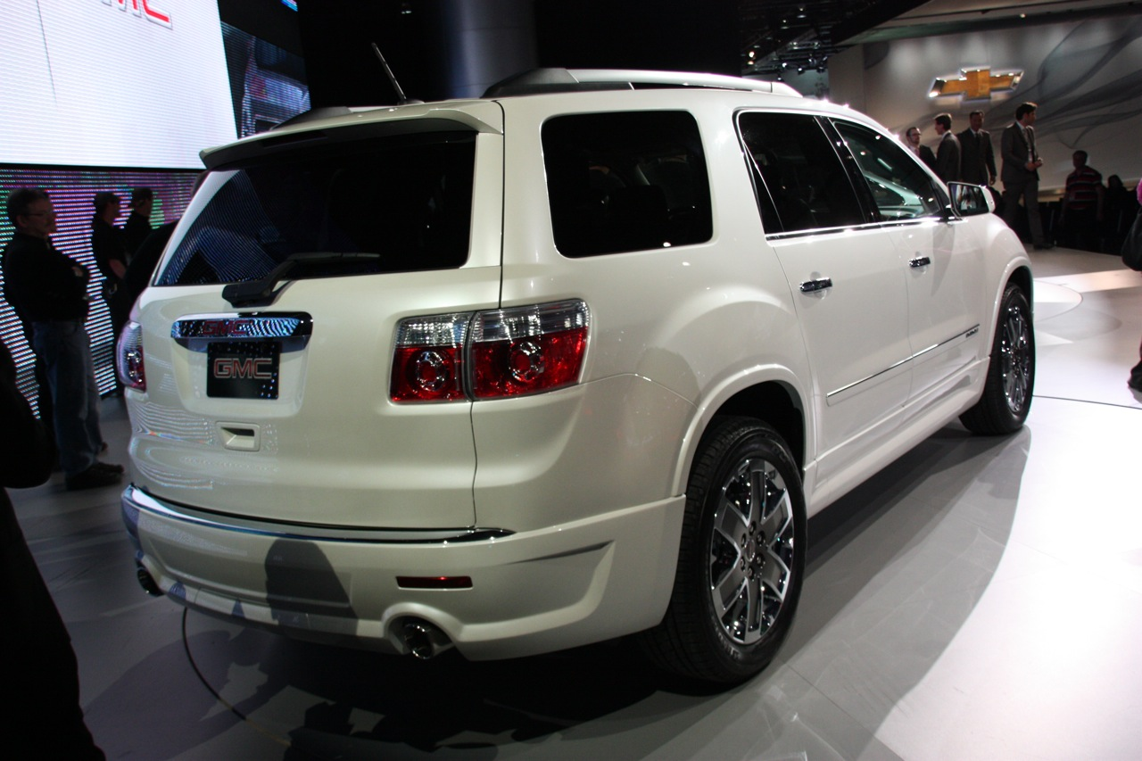 Gmc Acadia Denali Photo Gallery Autoblog