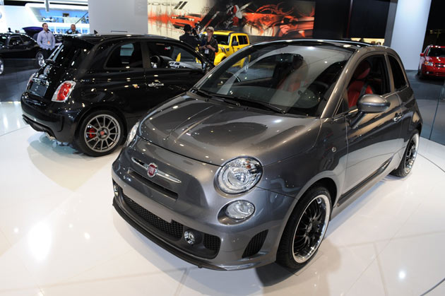 Detroit 2010: Fiat 500 BEV and Fiat 500 Abarth SS are in the house