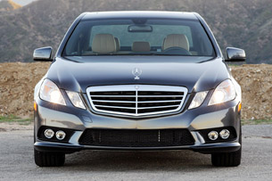 Review 2010 MercedesBenz E350 4Matic weathers the storm with