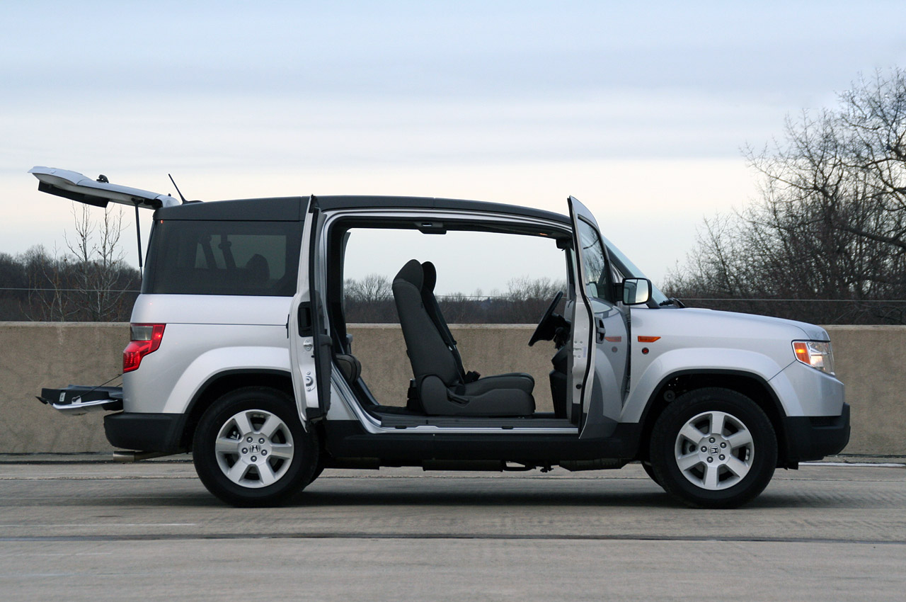 Review 2010 Honda Element Dog Friendly Package Photo