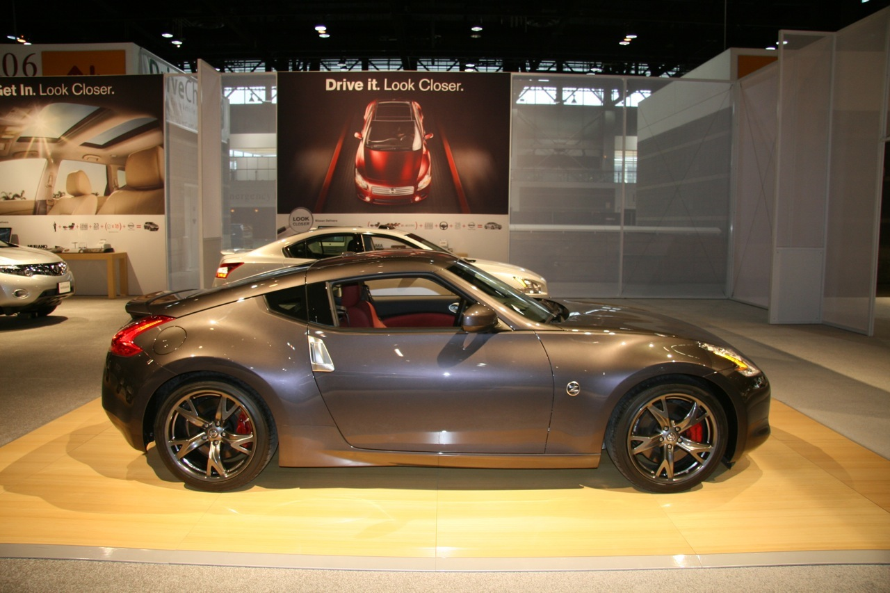 nissan 370z 40th anniversary edition at chicago auto show. Black Bedroom Furniture Sets. Home Design Ideas