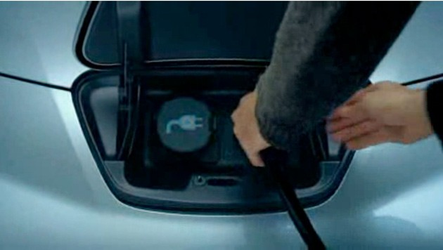 nissan-leaf-plug-screencap.jpg