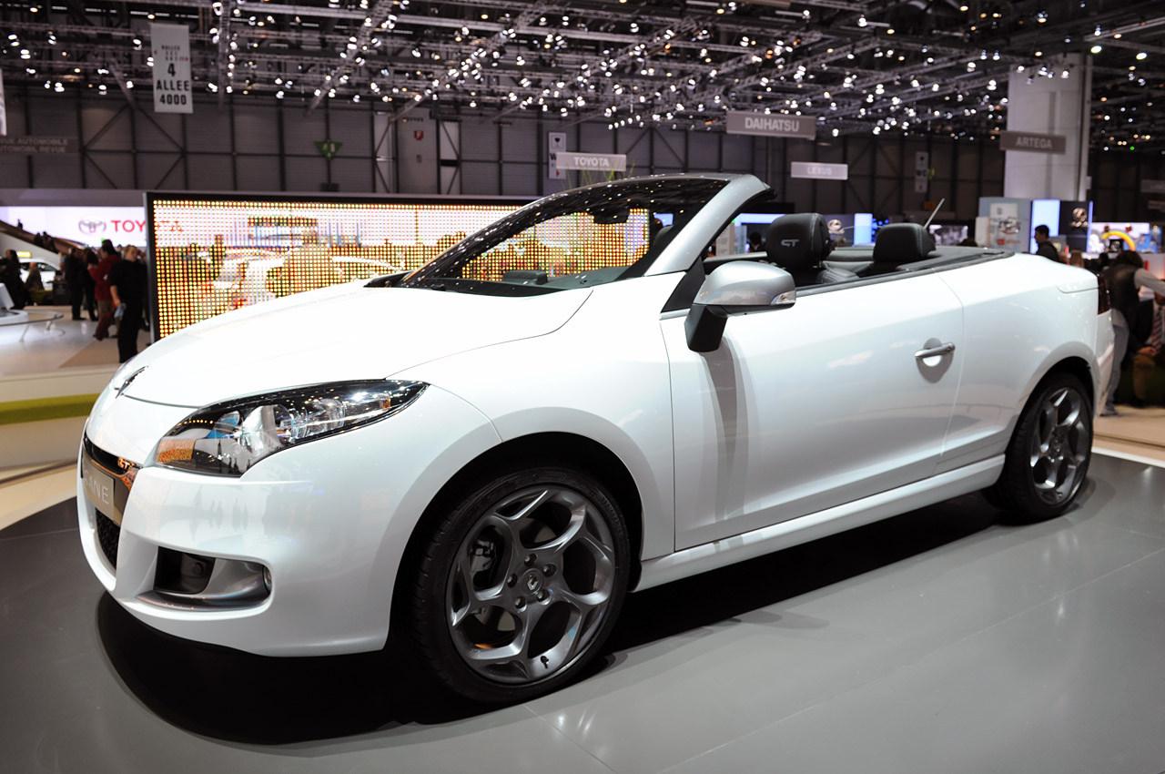 renault megane coupe convertible wallpaper. Black Bedroom Furniture Sets. Home Design Ideas