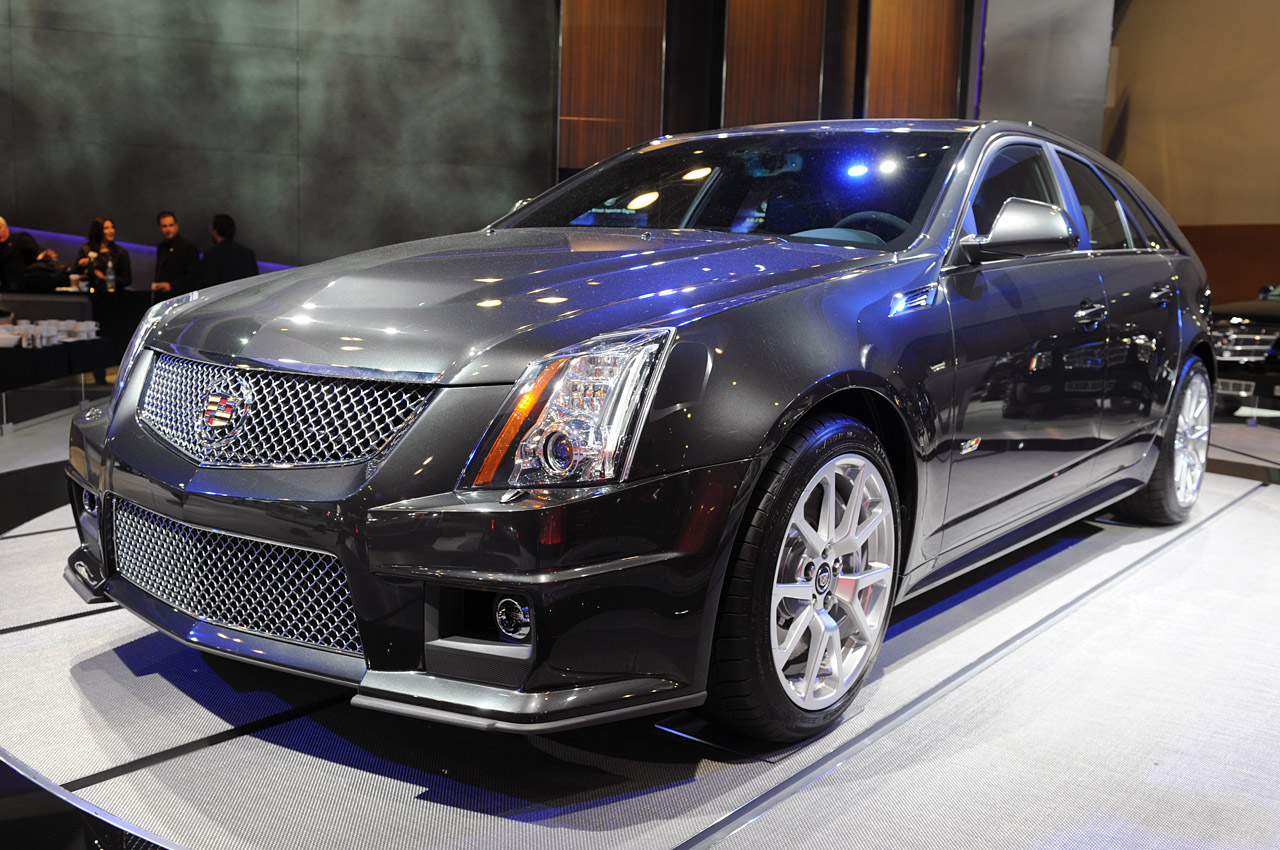 new york 2010 cadillac cts v sport wagon photo gallery autoblog. Black Bedroom Furniture Sets. Home Design Ideas