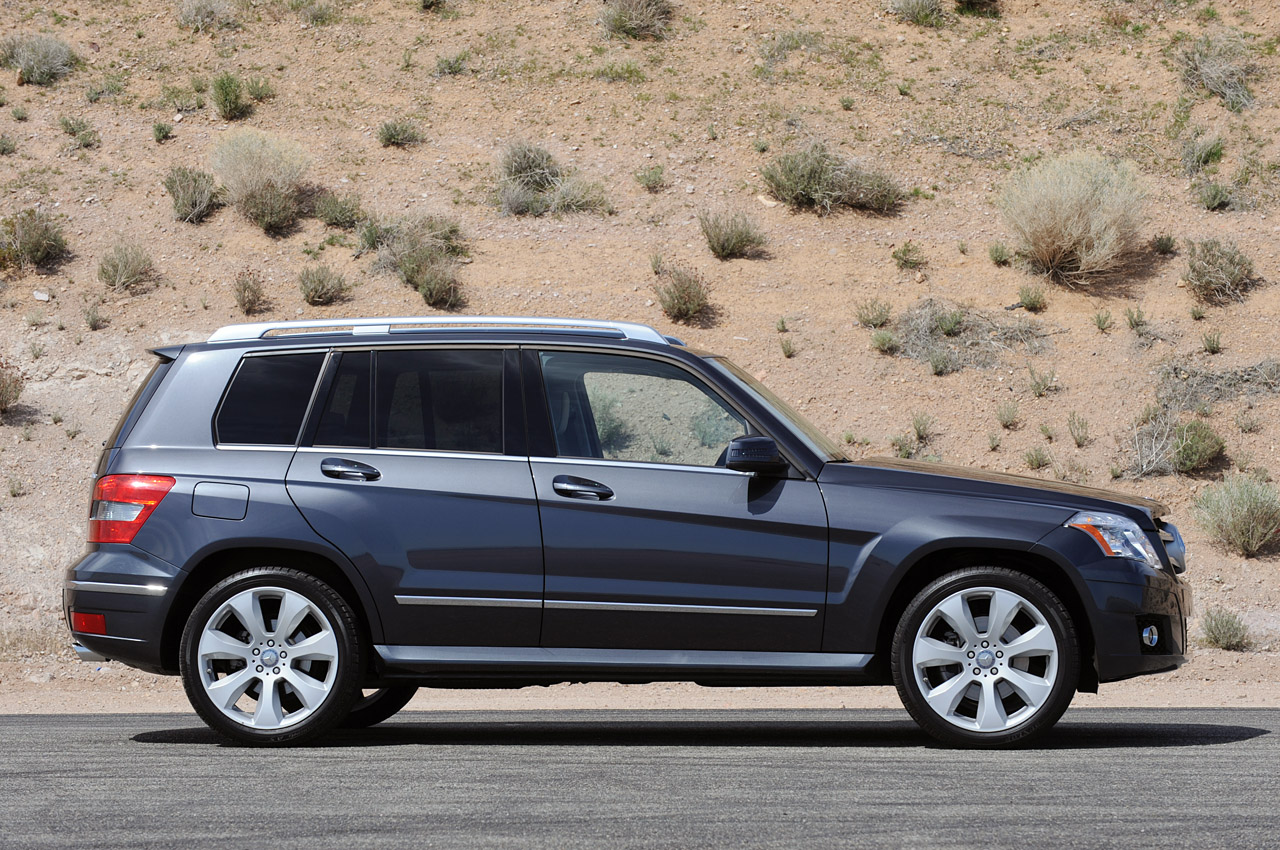 Review 2010 mercedes benz glk 350 photo gallery autoblog for 2010 mercedes benz glk