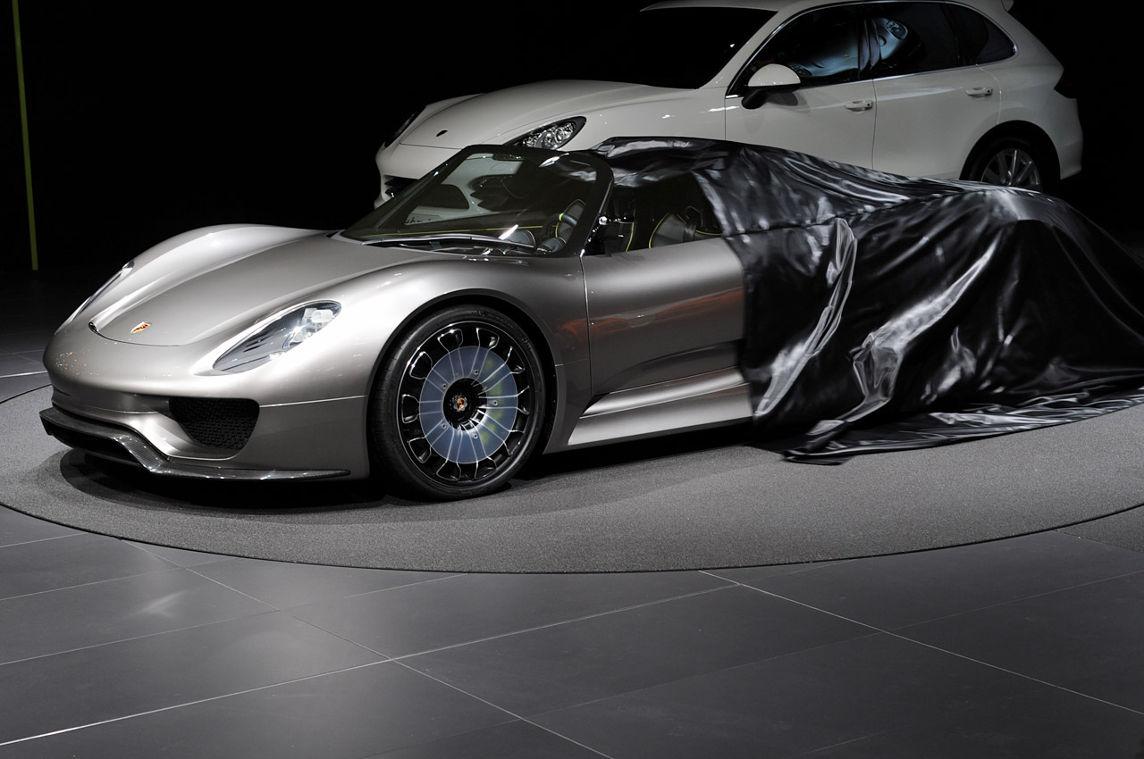 geneva 2010 porsche 918 spyder concept photo gallery autoblog. Black Bedroom Furniture Sets. Home Design Ideas