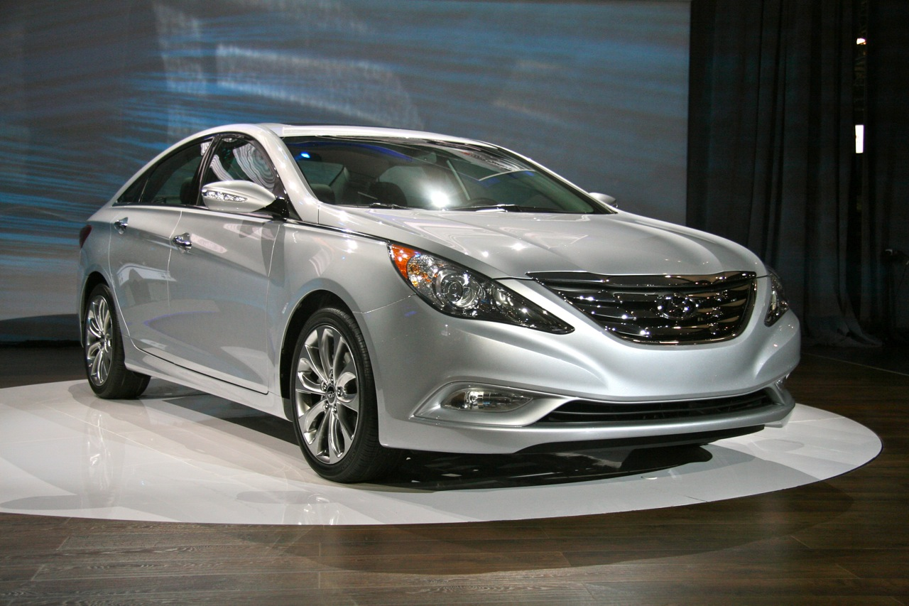 2011 hyundai sonata turbo live in ny photo gallery autoblog. Black Bedroom Furniture Sets. Home Design Ideas