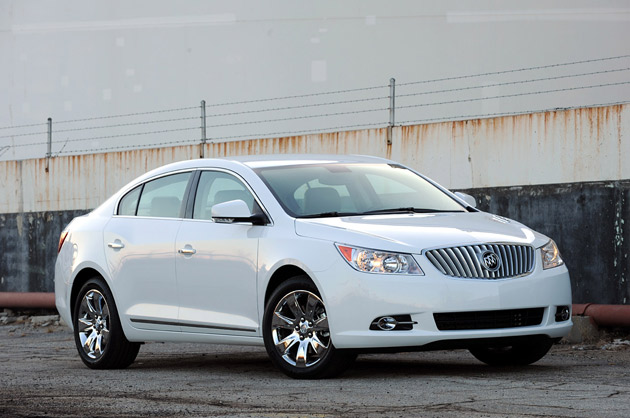 Buicklacrossereview on White Buick Lacrosse Cx