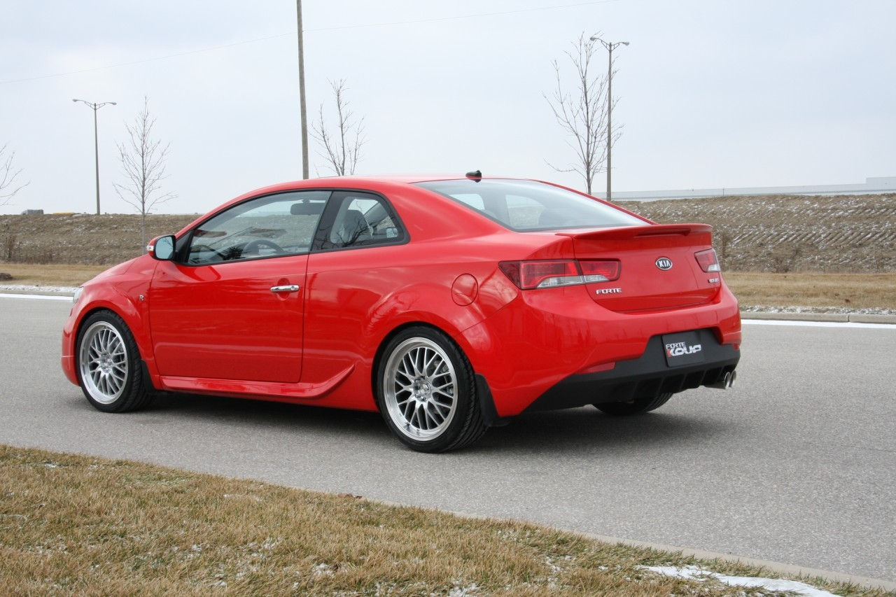Kia Forte Koup R Package (Official From Canadian Dealers) Img7700