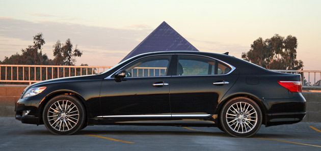 Review: 2010 Lexus LS460 Sport could\'a been a contenda - Autoblog