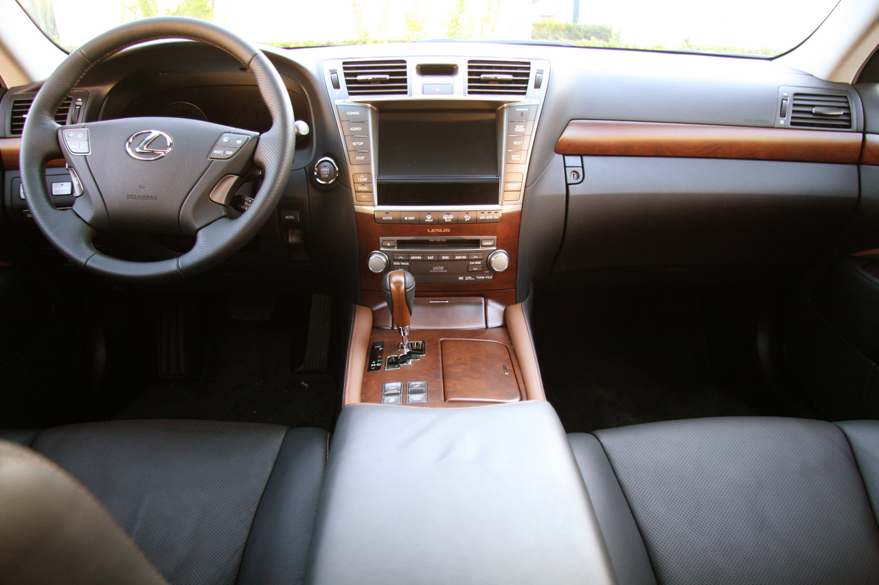 Lexus LS460 Interior Quality