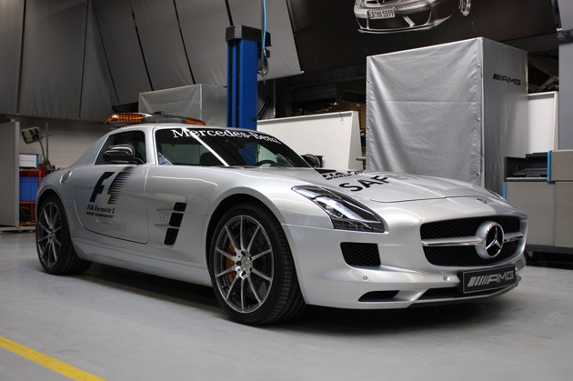 First live shots mercedes benz sls amg f1 safety car for Mercedes benz f1 shop