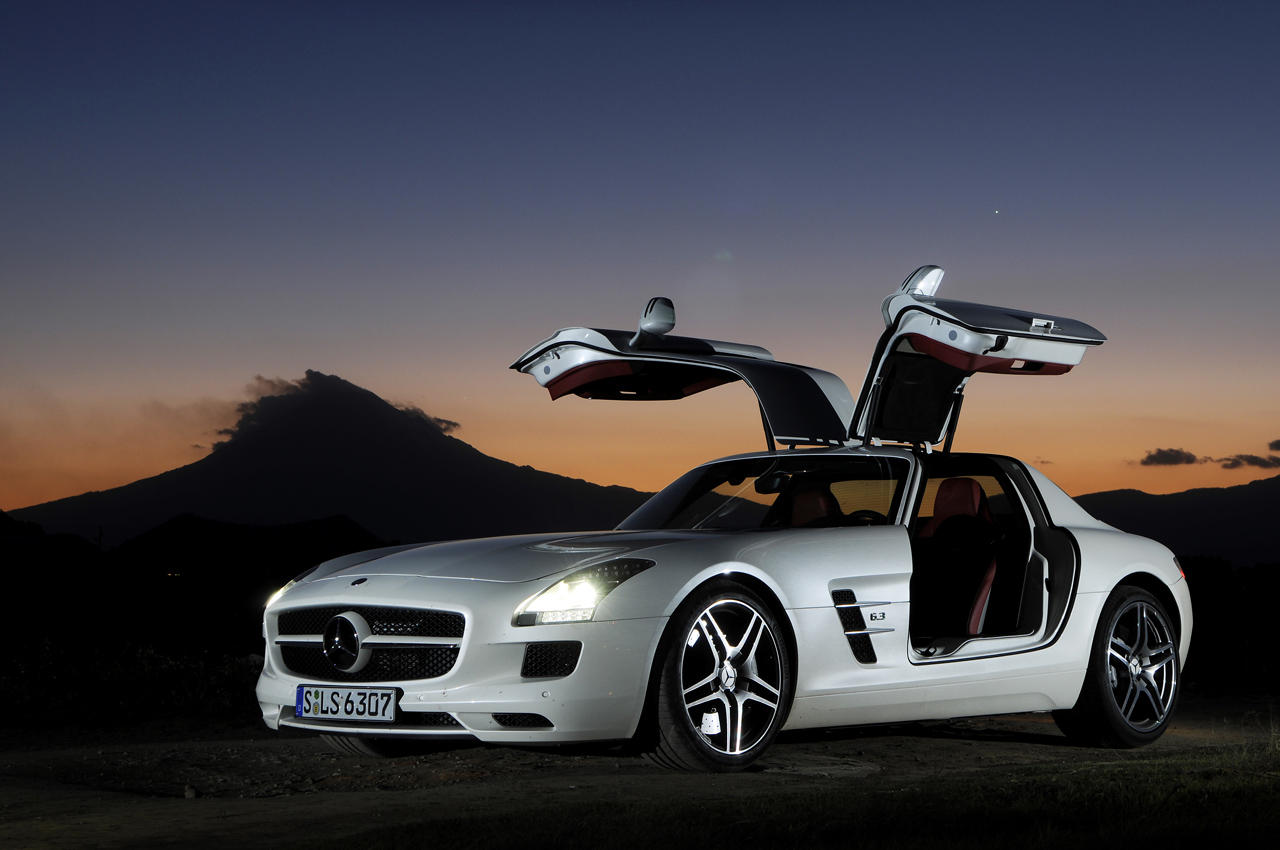 White 2011 mercedes benz sls amg in mexico photo gallery for Www mercedes benz mexico