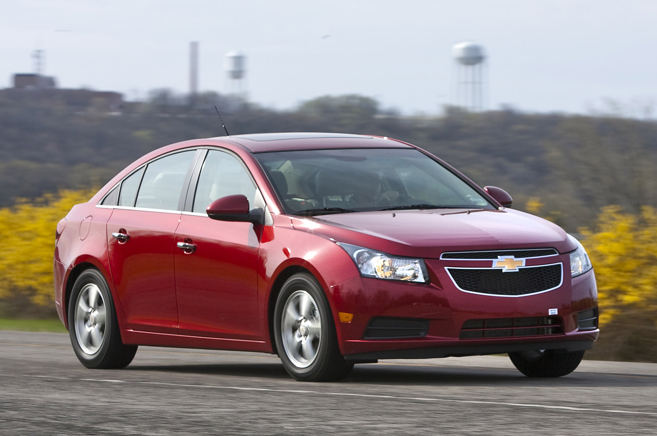 quick spin 2011 chevrolet cruze photo gallery autoblog. Black Bedroom Furniture Sets. Home Design Ideas