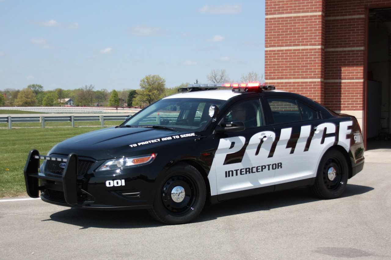 ford 39 s taurus based police interceptor getting more power. Black Bedroom Furniture Sets. Home Design Ideas