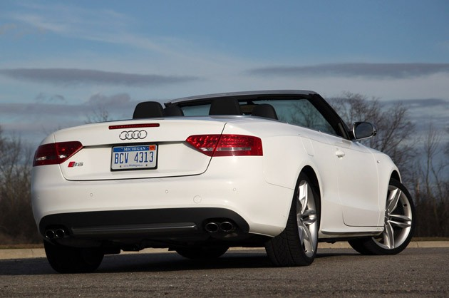Review: 2010 Audi S5 Cabriolet speaks too softly, but carries a big